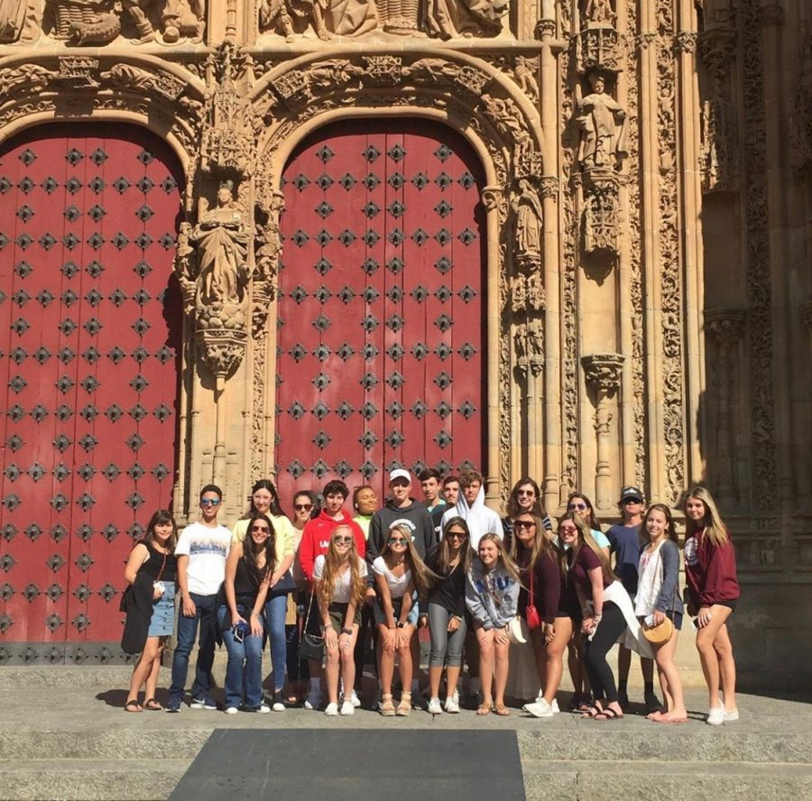 TKA+students+excited+for+a+day+of+class+at+the+University+of+Salamanca%21